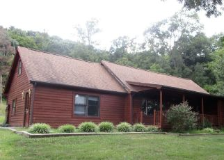 Foreclosed Home in Berkeley Springs 25411 VALLEY RD - Property ID: 4421767229