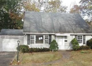 Foreclosed Home in Livingston 07039 FERNWOOD RD - Property ID: 4421849575