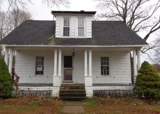 Foreclosed Home in Southington 06489 BURWELL AVE - Property ID: 4421860975