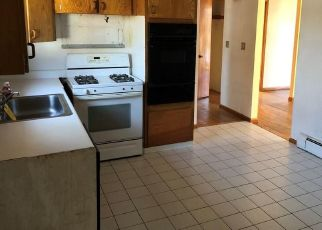 Foreclosed Home in Stratford 06614 STOCK ST - Property ID: 4421922274