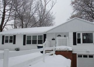 Foreclosed Home in Syracuse 13219 BEVERLY DR - Property ID: 4422058489
