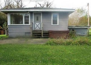 Foreclosed Home in Twin Lakes 53181 306TH CT - Property ID: 4422096594
