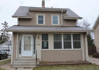 Foreclosed Home in Waukesha 53186 FRAME AVE - Property ID: 4422123749