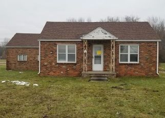 Foreclosed Home in Belleville 48111 BECK RD - Property ID: 4422168414