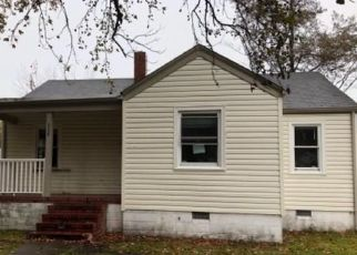 Foreclosed Home in Norfolk 23503 E GILPIN AVE - Property ID: 4422278344