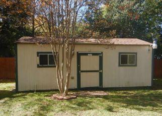 Foreclosed Home in San Antonio 78233 EL GUSTO ST - Property ID: 4422322131
