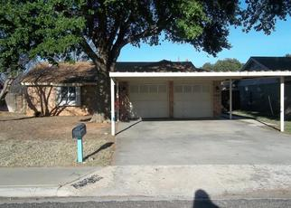 Foreclosed Home in Andrews 79714 CRESCENT DR - Property ID: 4422324332