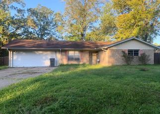 Foreclosed Home in Lufkin 75904 DUREN ST - Property ID: 4422350171
