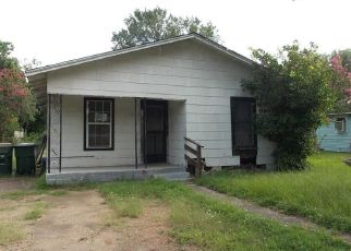 Foreclosed Home in Columbus 78934 HOUSTON ST - Property ID: 4422364639