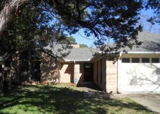 Foreclosed Home in Granbury 76048 SIERRA VISTA DR - Property ID: 4422366833