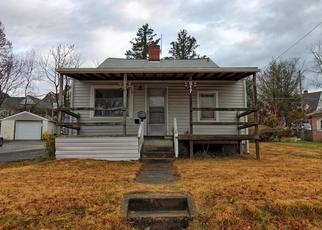 Foreclosed Home in Kingsport 37660 FOREST ST - Property ID: 4422394862