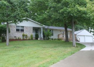 Foreclosed Home in Oneida 37841 POPLAR LN - Property ID: 4422400542