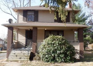 Foreclosed Home in Akron 44320 ROSLYN AVE - Property ID: 4422435136