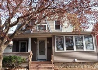 Foreclosed Home in Milford 06461 AVON ST - Property ID: 4422463610