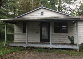 Foreclosed Home in Belleville 62221 N DELAWARE AVE - Property ID: 4422594119