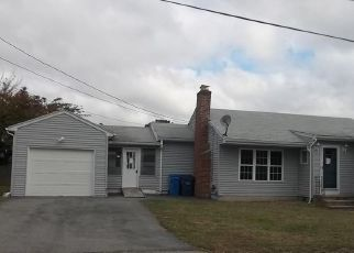 Foreclosed Home in Cranston 02920 BROOKFIELD DR - Property ID: 4422613394