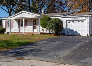 Foreclosed Home in North Kingstown 02852 PAT CIR - Property ID: 4422617336