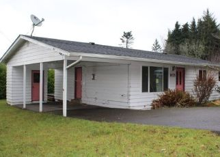 Foreclosed Home in Coos Bay 97420 CEDAR DR - Property ID: 4422799539
