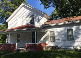 Foreclosed Home in Manlius 13104 SMITH ST - Property ID: 4422860413