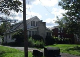 Foreclosed Home in East Syracuse 13057 HIGHLAND AVE - Property ID: 4422861286