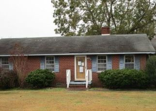 Foreclosed Home in Columbia 27925 N LIGHT ST - Property ID: 4423005385