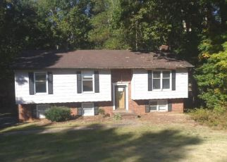 Foreclosed Home in Winston Salem 27105 HEMPHILL DR - Property ID: 4423015909