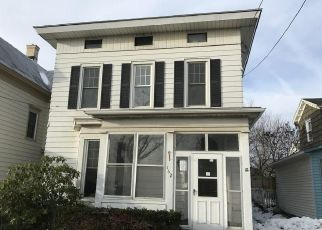 Foreclosed Home in Oswego 13126 W 7TH ST - Property ID: 4423036484