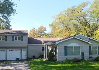 Foreclosed Home in Hamburg 14075 PARKER RD - Property ID: 4423042620