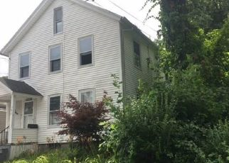Foreclosed Home in Waterbury 06708 MERRILL ST - Property ID: 4423109630