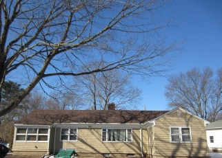 Foreclosed Home in Hamden 06517 JESSWIG DR - Property ID: 4423114890