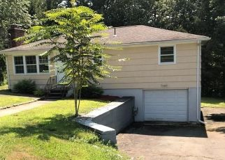 Foreclosed Home in Wolcott 06716 TOSUN RD - Property ID: 4423118380