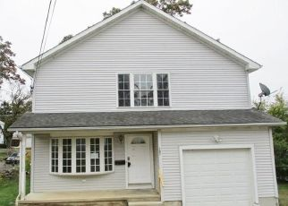 Foreclosed Home in Waterbury 06706 FARRINGTON AVE - Property ID: 4423120119