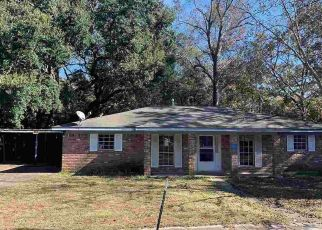 Foreclosed Home in Mobile 36618 BAYLOR DR - Property ID: 4423248912