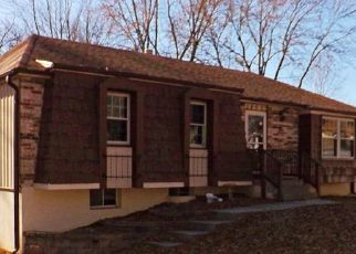 Foreclosed Home in Independence 64056 N GLEN ELLYN ST - Property ID: 4423264672