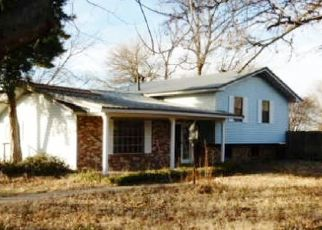 Foreclosed Home in Malden 63863 KENT BLVD - Property ID: 4423267290