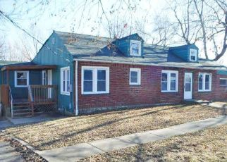 Foreclosed Home in Independence 64050 N RIVER BLVD - Property ID: 4423271231