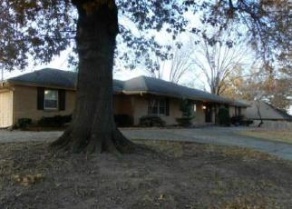 Foreclosed Home in Kansas City 64118 N BROADWAY ST - Property ID: 4423276494