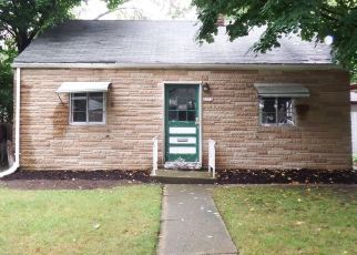Foreclosed Home in Milwaukee 53216 W LEON TER - Property ID: 4423450818