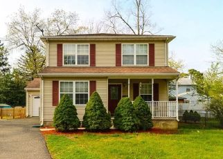 Foreclosed Home in Monroe Township 08831 APPLEGATE AVE - Property ID: 4423465252