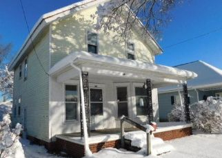 Foreclosed Home in Manistee 49660 MAGILL ST - Property ID: 4423482787