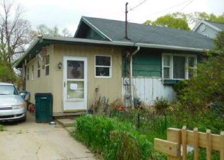 Foreclosed Home in Lansing 48912 ALLEN ST - Property ID: 4423523510