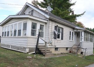 Foreclosed Home in Augusta 04330 RIVERSIDE DR - Property ID: 4423635187