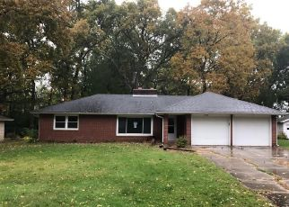 Foreclosed Home in Yorktown 47396 S RIDGEVIEW DR - Property ID: 4423650978