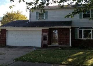 Foreclosed Home in Oregon 43616 WAKEFIELD PL - Property ID: 4423661923
