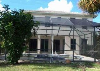 Foreclosed Home in Fort Myers 33913 LEDGEWOOD CIR - Property ID: 4423779731