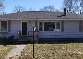 Foreclosed Home in Hobart 46342 MISSOURI ST - Property ID: 4423784545