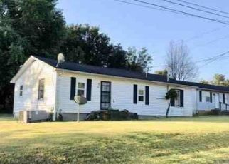 Foreclosed Home in Hodgenville 42748 PEAK ST - Property ID: 4423841926