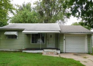 Foreclosed Home in Hutchinson 67501 N MONROE ST - Property ID: 4423873898