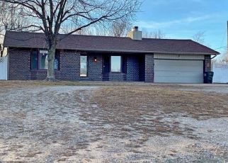 Foreclosed Home in Hutchinson 67502 N LORRAINE ST - Property ID: 4423896668