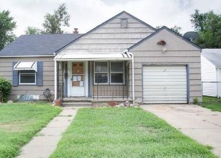Foreclosed Home in Hutchinson 67501 E 6TH AVE - Property ID: 4423900606